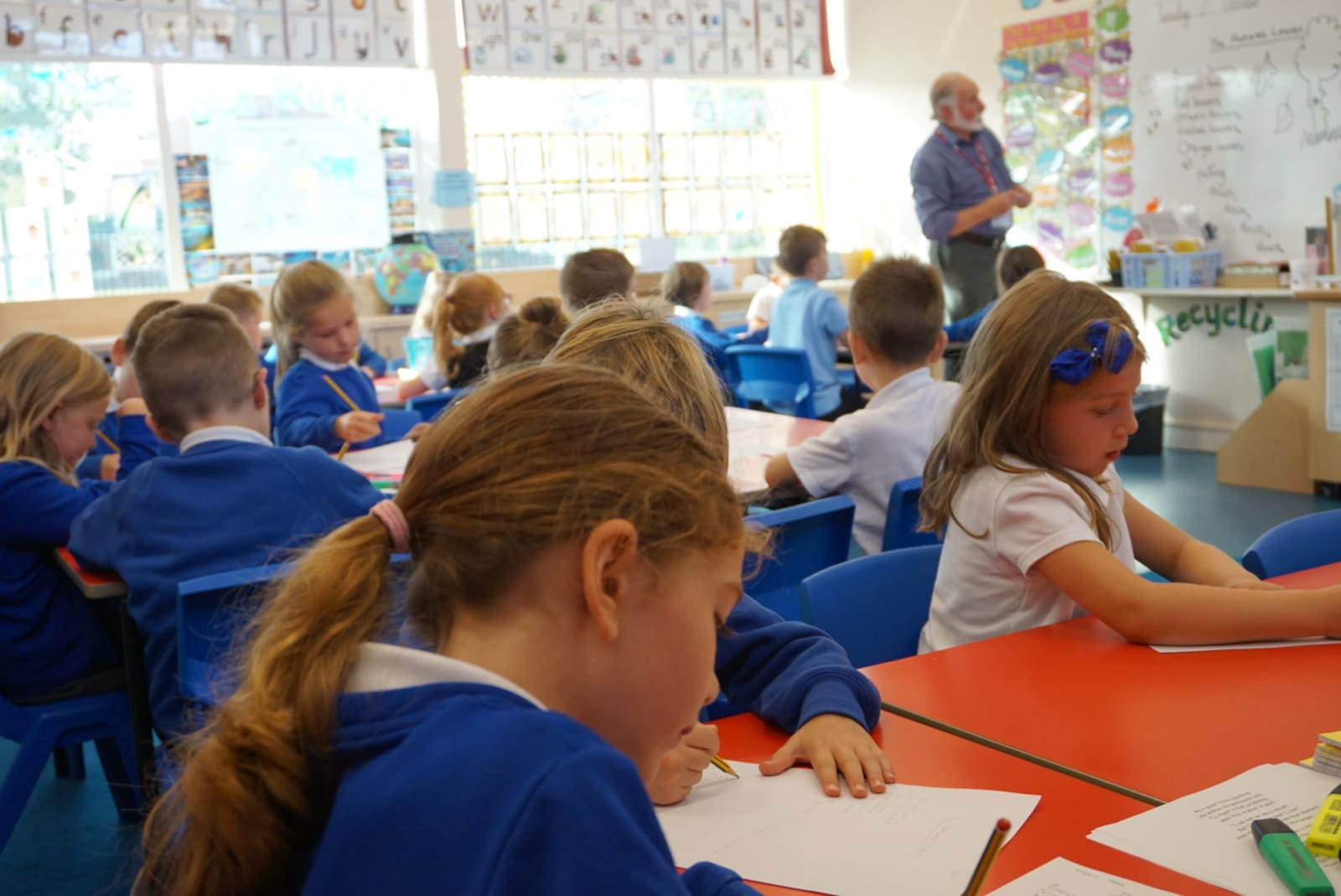 Award-winning author comes to Roseberry Primary School to celebrate national poetry day