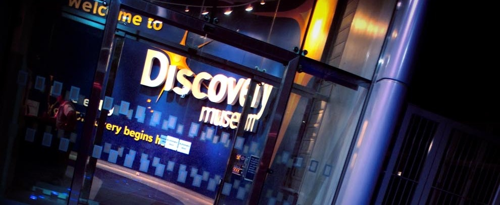 DISCOVERY ROARS INTO CHRISTMAS WITH A 1920S PARTY