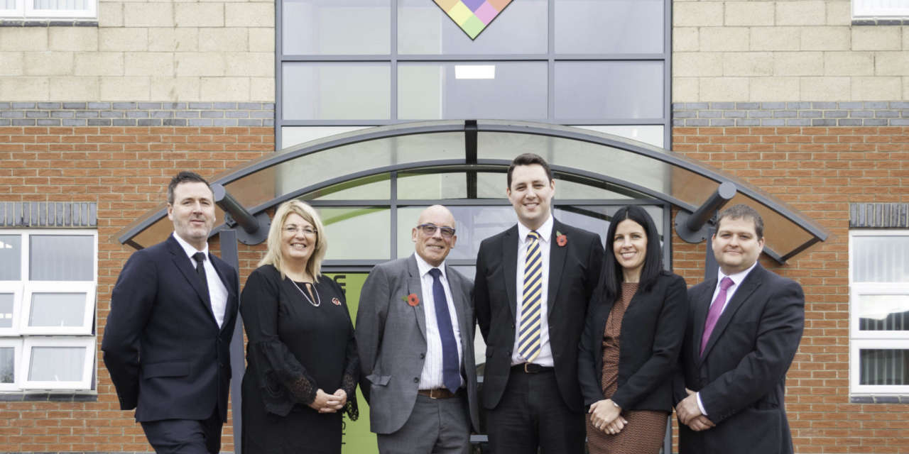 Mayor Opens New Office For Firm Of Financial Advisors