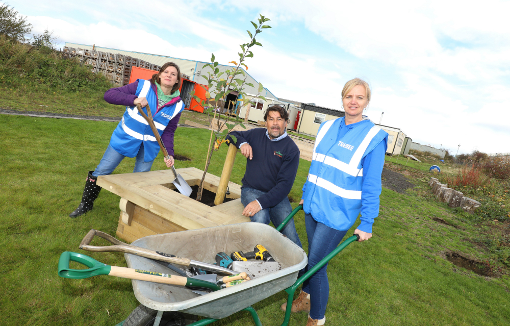 Lloyds Bank staff get stuck in on volunteering day with mental health charity