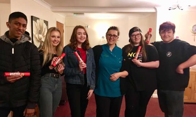 Care home thanks teen volunteers on World Kindness Day