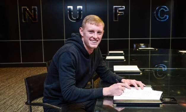 Newcatle United: Sean Longstaff signs new contract