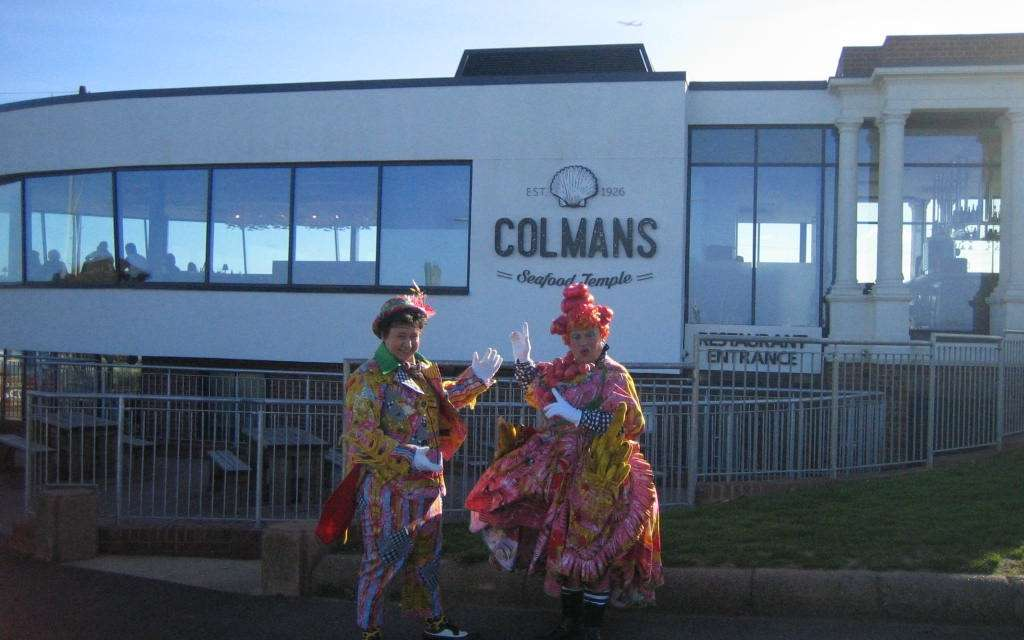 PANTO CAST VISIT COLMANS SEAFOOD TEMPLE TO SAY THANK YOU FOR CONTINUED SUPPORT