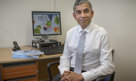 Leading UK weight loss surgeon welcomed as Visiting Professor