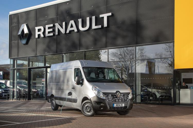 ALL-ELECTRIC RENAULT MASTER Z.E. CLEANS UP AT THE INAUGURAL GREAT BRITISH FLEET AWARDS