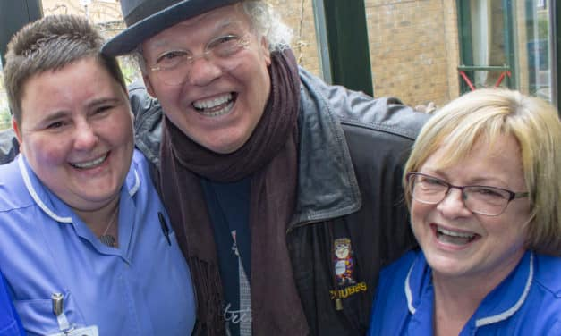 Roy Chubby Brown donates £5,000 to North-East hospice