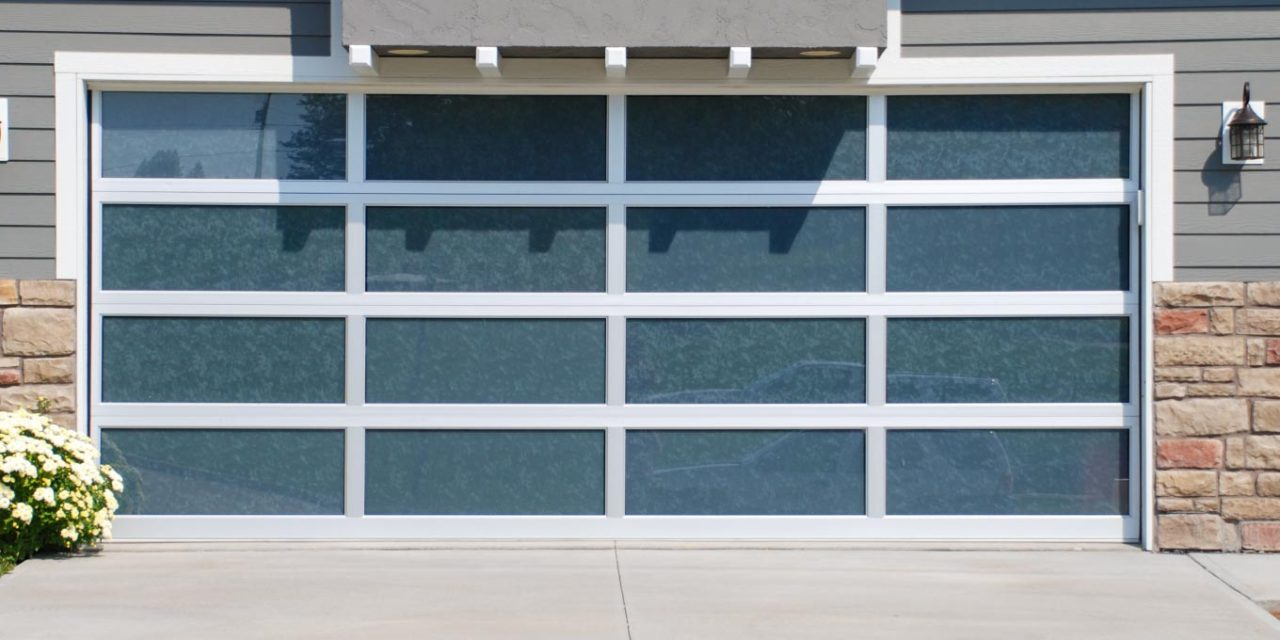 What To Look For When Purchasing A Garage Door