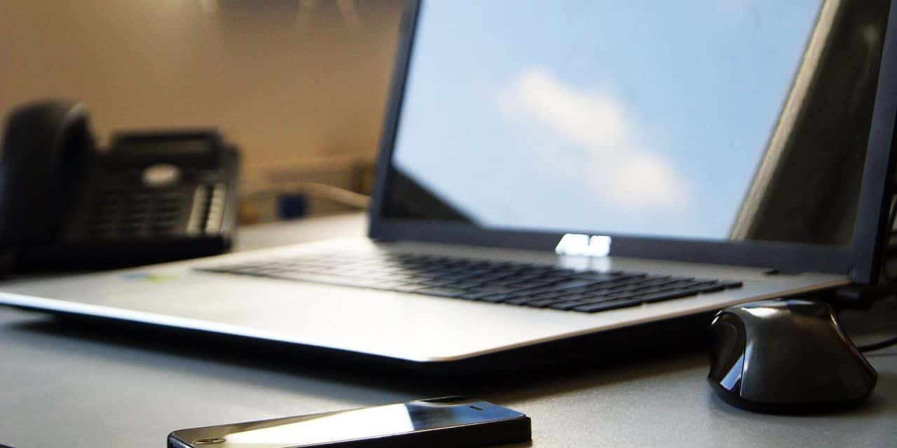 8 Reasons Why Businesses Should Go Paperless