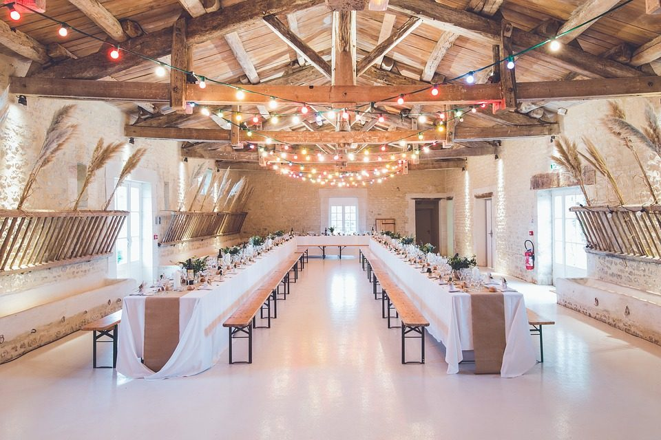 4 Simple Tips on How to Plan Your Wedding Party in Manchester, UK