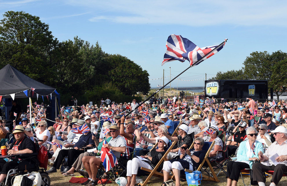 PROMS IN THE PARK RETURNS