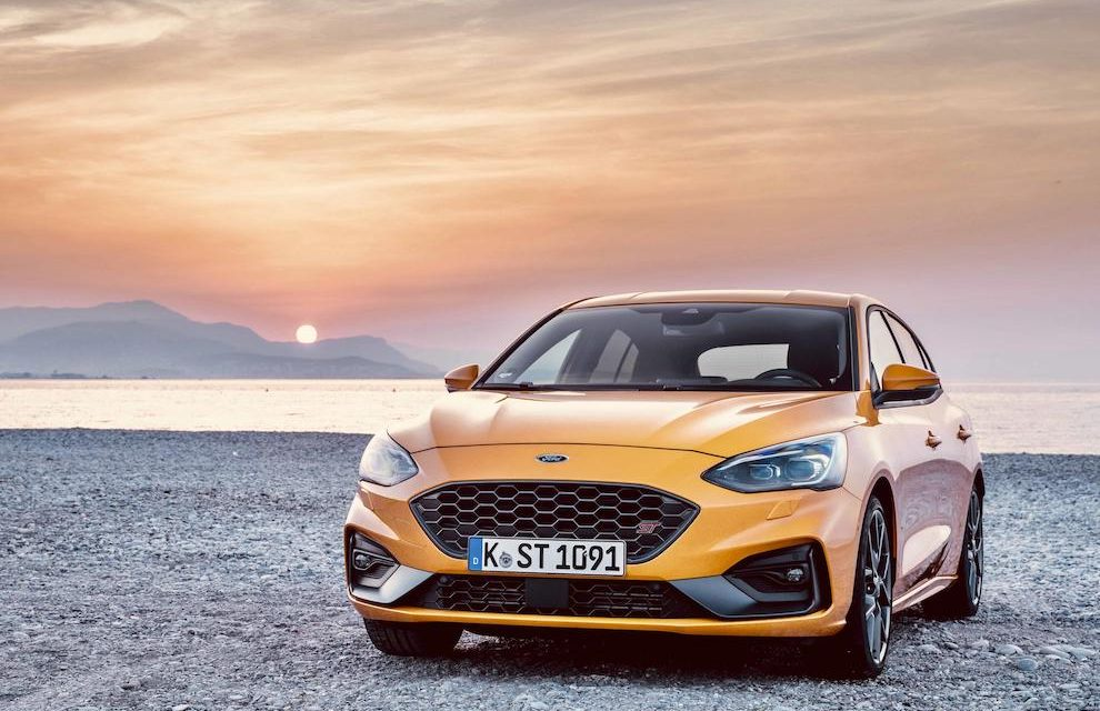 STRAIGHT-LINE OR CORNER: SPORTS TECHNOLOGIES BOOST ALL-NEW FOCUS ST FOR 'PUNCH IN THE BACK' PERFORMANCE