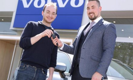 CLICK AND COLLECT: VOLVO CAR UK DELIVERS FIRST ONLINE-BOUGHT CAR