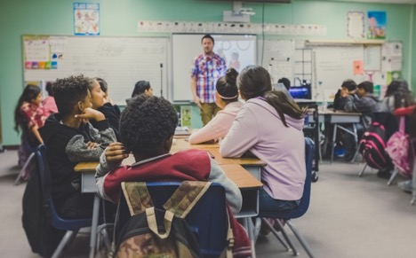 How Technology in Class Can Improve Student Learning