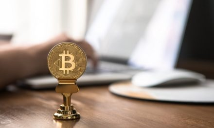 Is it Better to Day Trade Bitcoin or go Long?