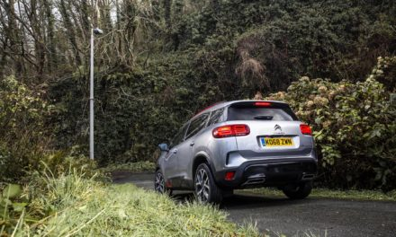 NEW CITROËN C5 AIRCROSS SUV TACKLES THE WORLD'S STEEPEST STREET AND COMES OUT ON TOP