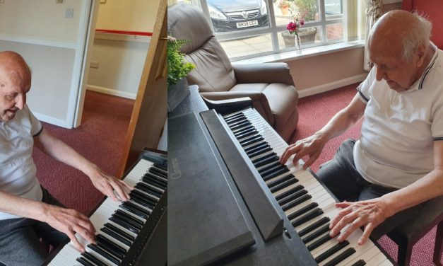 Care home resident still performing on piano after 93 years