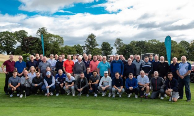 Golfers chip in for charity at hospice event