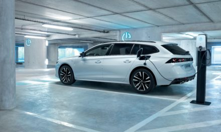 ALL-NEW PLUG-IN HYBRID EVs: PEUGEOT 508 HYBRID AND 508 SW HYBRID COMBINE 225HP PERFORMANCE WITH 217MPG AND 29g/km CO2