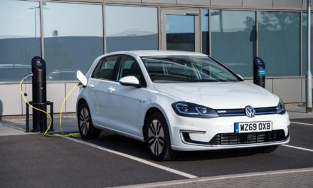 VOLKSWAGEN e-GOLF GETS £2,765 VALUE BOOST