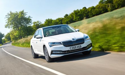 ŠKODA ANNOUNCES SUPERB PRICING AND SPECIFICATION FOR ITS FIRST HYBRID MODEL