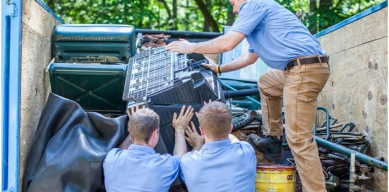 4 Advantages Of Utilizing A Professional Waste Removal Service
