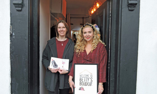 County Durham card creator and boutique owner team up to spread Christmas sparkle and promote 'shop local' message