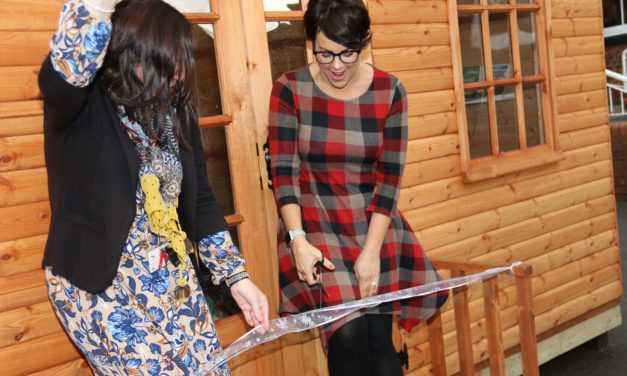 Illustrator officially opens special Reading Shed