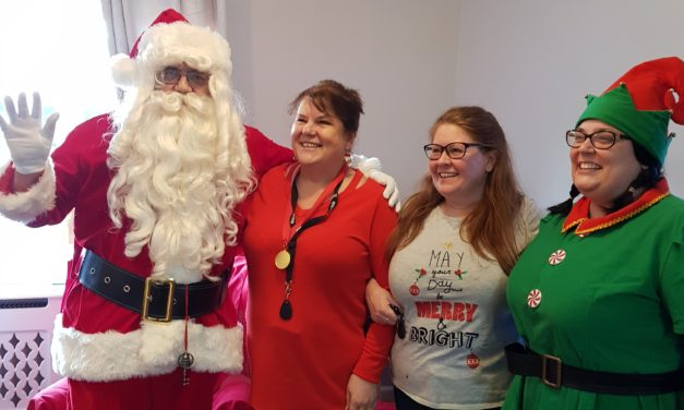 Santa at care home's Christmas fête