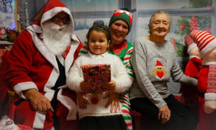 SANTA PAYS VISIT TO RESIDENTS AS CARE HOME OPENS DOORS TO SCHOOL CHILDREN