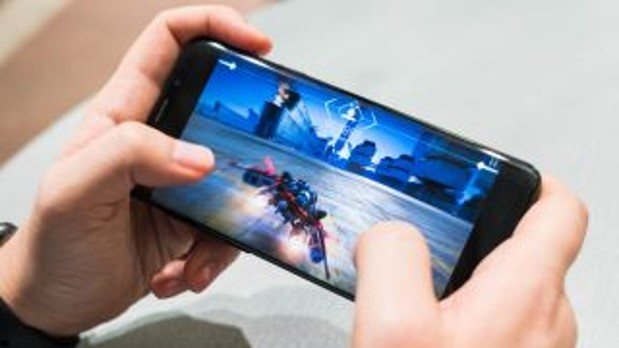 Gaming at your fingertips: the top five mobiles for gaming