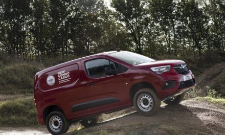 TACKLE TOUGH TERRAIN WITH VAUXHALL'S NEW COMBO CARGO 4X4