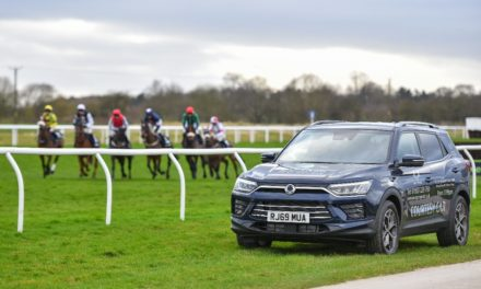 SSANGYONG YORK SPONSORS WETHERBY RACECOURSE