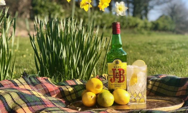 Make your garnishes go further with J&B Rare 🍊🍋