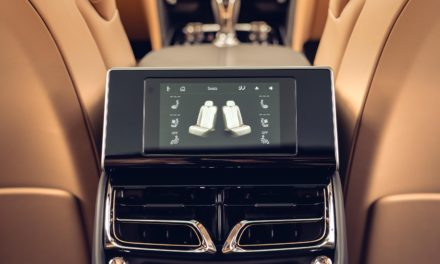 THE NEW FLYING SPUR IN DETAIL: TOUCH SCREEN REMOTE BRINGS LUXURY TO YOUR FINGERTIPS