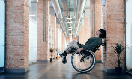 Simple Strategies to Help Someone Deal with a Spinal Cord Injury
