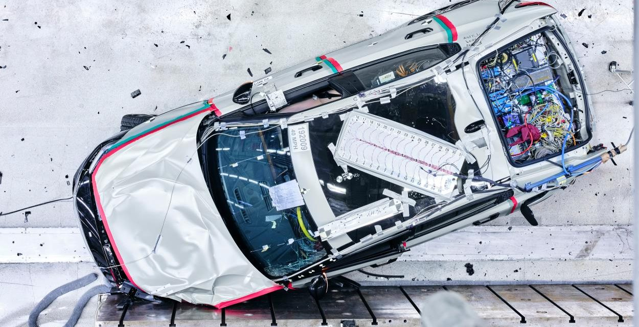 POLESTAR 2 MATCHES ELECTRIC PERFORMANCE WITH HIGH LEVELS OF SAFETY
