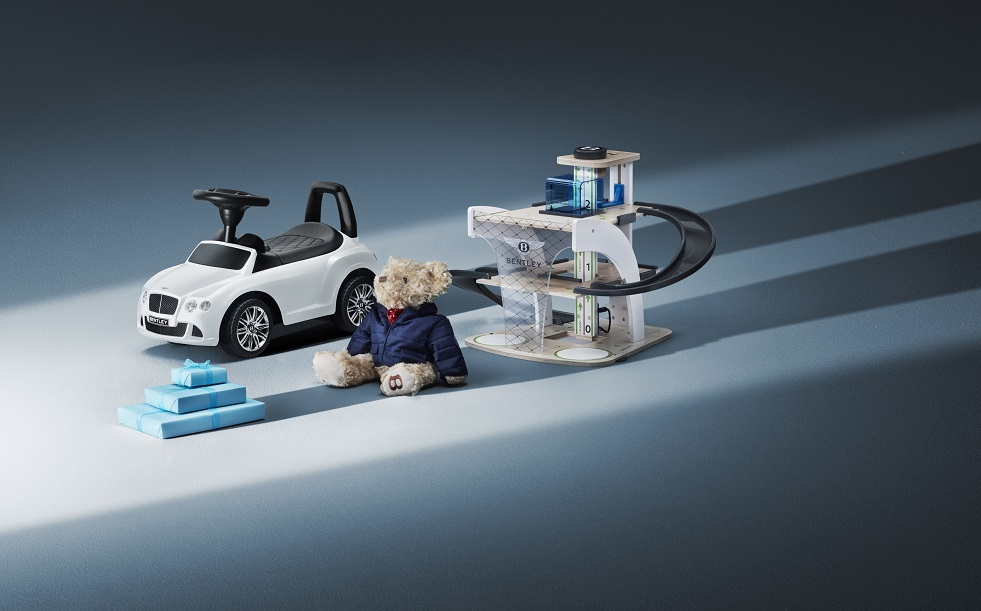 ENJOY FANTASTIC FUN AND EXCITING GAMES FOR EVERYBODY INSIDE THE WORLD OF BENTLEY