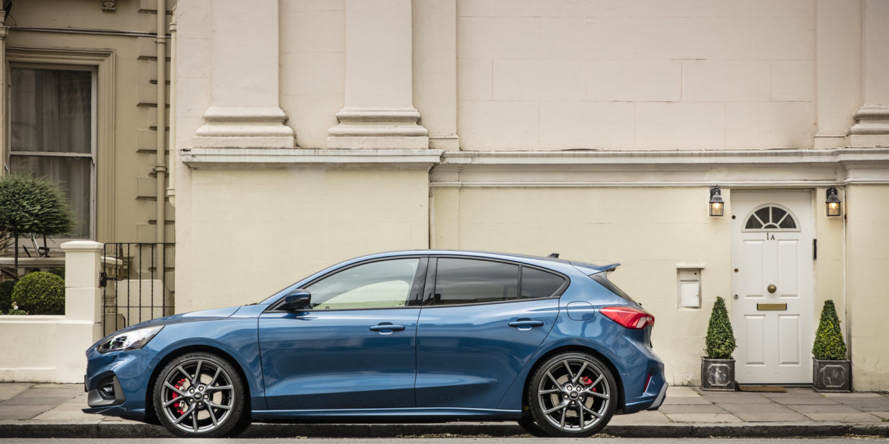 FORD FOCUS ST WITH INTELLIGENT AUTOMATIC TRANSMISSION GOES ON SALE AS DEALER SHOWROOMS REOPEN