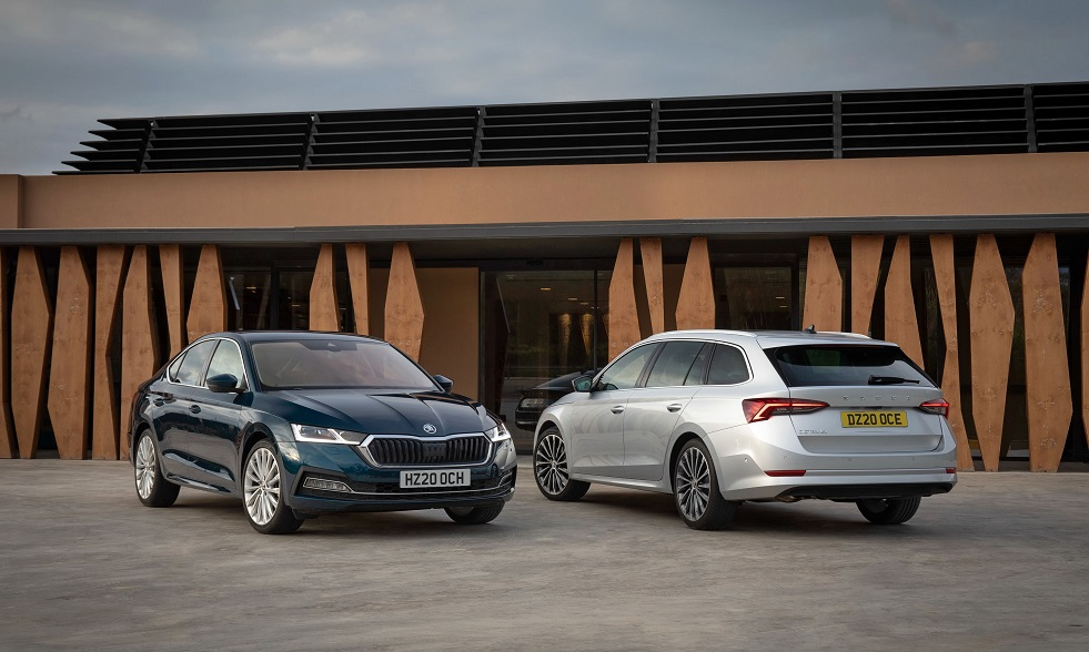 ŠKODA OCTAVIA'S NEW TECHNOLOGY HELPS PREVENT DRIVERS OPENING CAR DOORS INTO PATH OF CYCLISTS