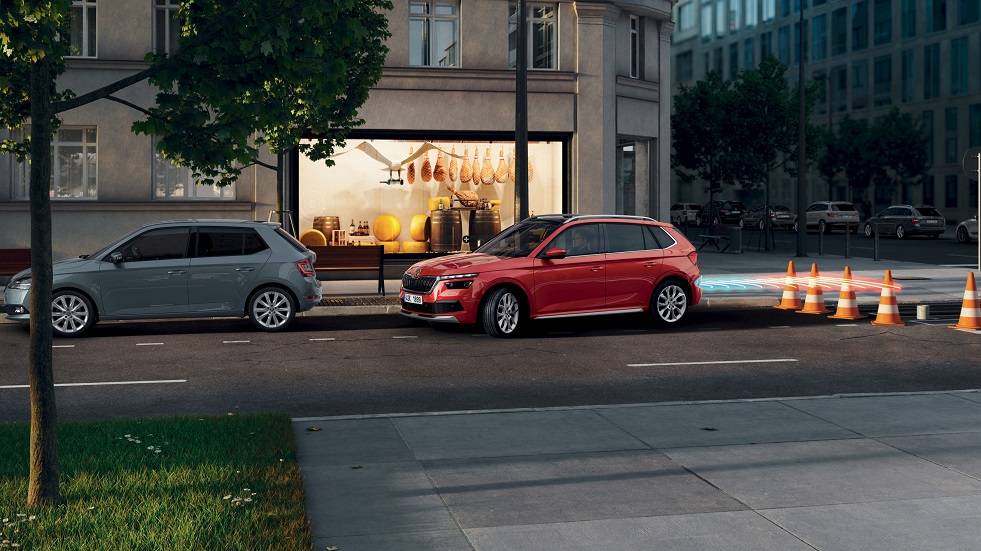 ŠKODA ASSISTANTS ACTIVELY SUPPORT, WARN AND PROTECT