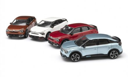 NEW C4 AND NEW Ë-C4 – 100% ËLECTRIC JOIN THE CITROËN MINIATURES CATALOGUE