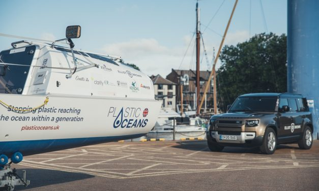 LAND ROVER X ELLIOT BROWN WATCH: PERFECT TIMING FOR RED CROSS ROWERS