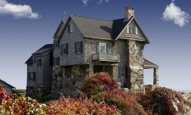 Design Solutions when Building a Custom Home on a Sloped Lot