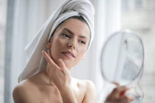Skincare Guide: Is There A Nonsurgical Way to Tighten Loose Skin?