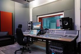 How Recording Studio Makes An Artist Famous In World?