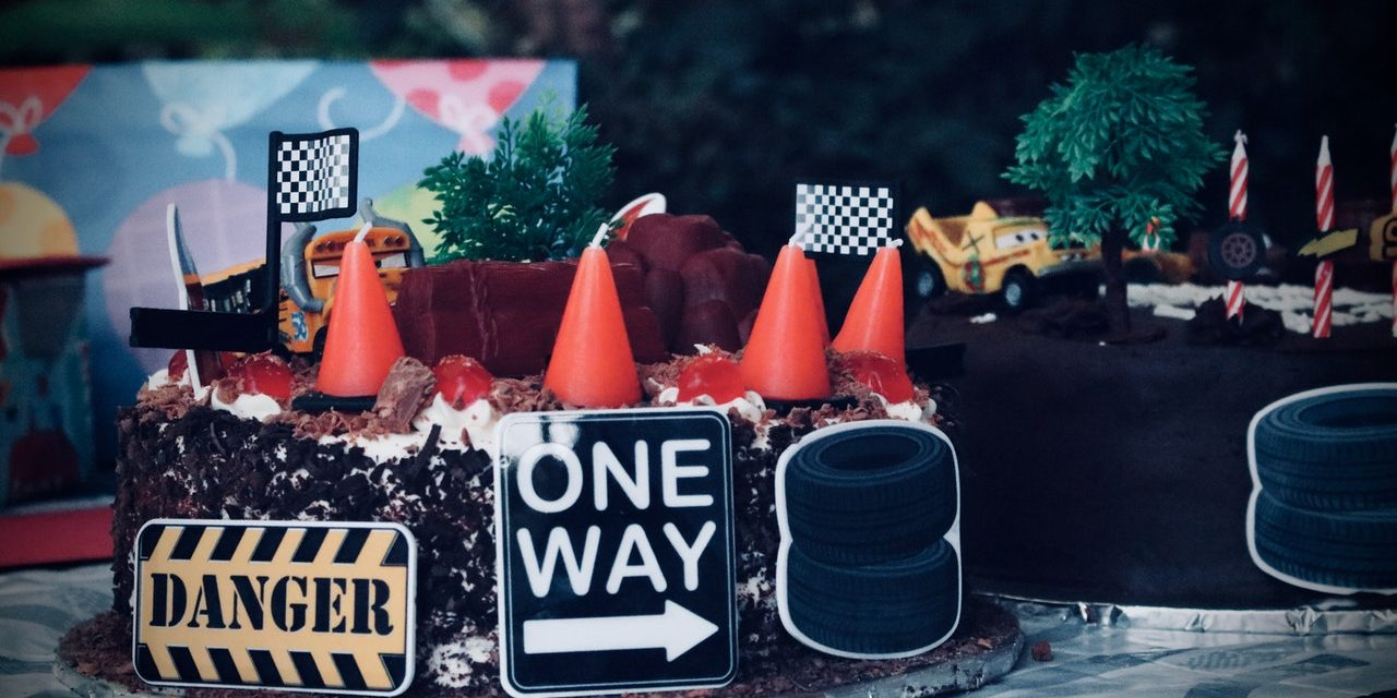 Ravishing Car Themed Birthday Cakes that are Perfect for Boys