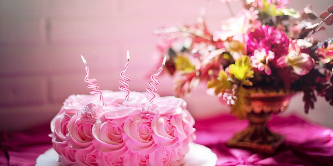 Complete Guide of the Cake Toppings for Decorations