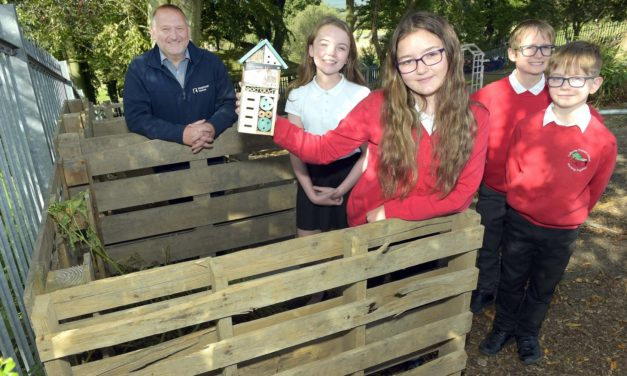 Builder Mucks in to help school's outdoor learning project