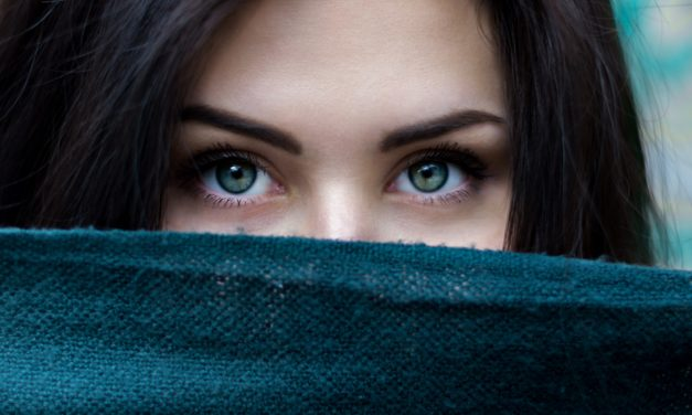 5 Best Foods for Healthy Eyes By Dr. Hamilton