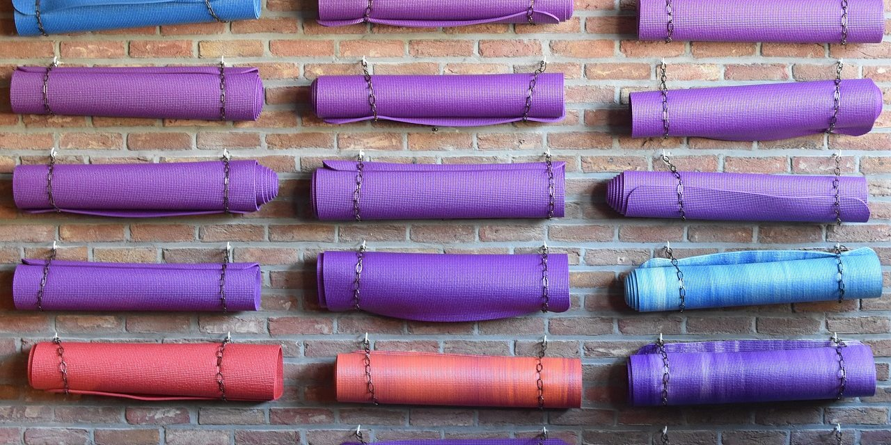 How to Choose the Right Type of Yoga Mats